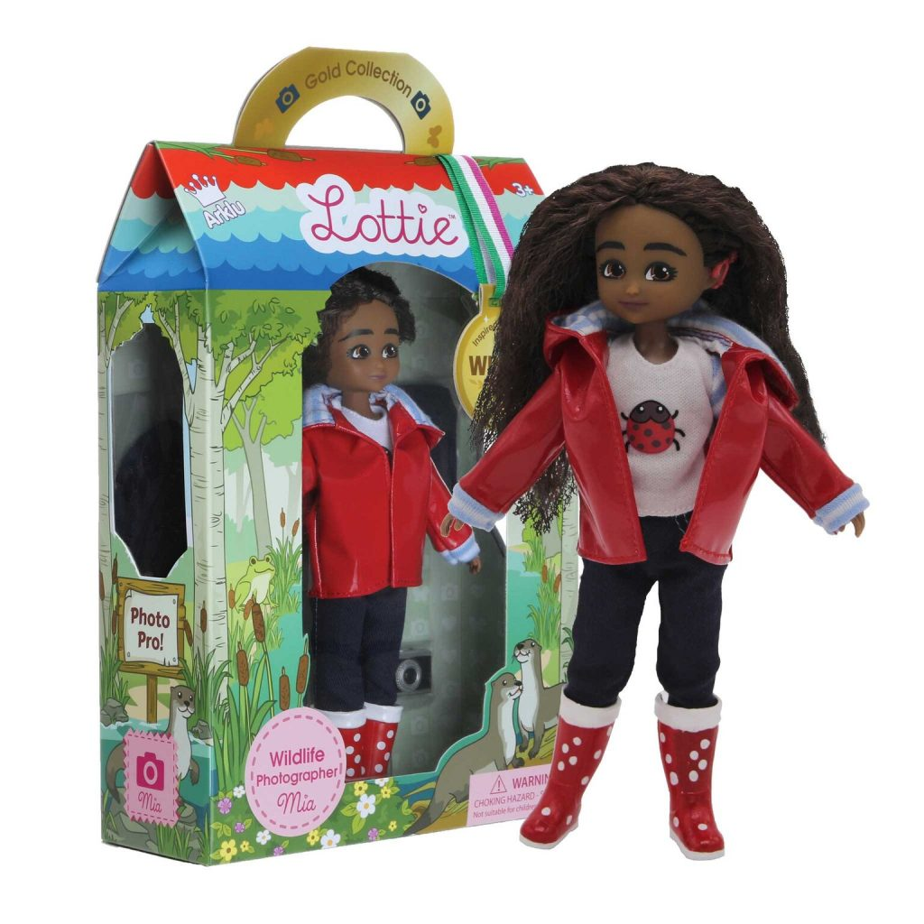 Isla McGuckin - Lottie Doll - Mia_WildlifePhotographerMia_Doll+Box_preview